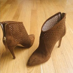 Zara size 36 suede tan booties